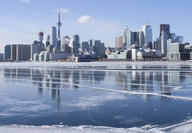 原创             加拿大国土比中国大38万平方公里,为何人口只有3700多万?