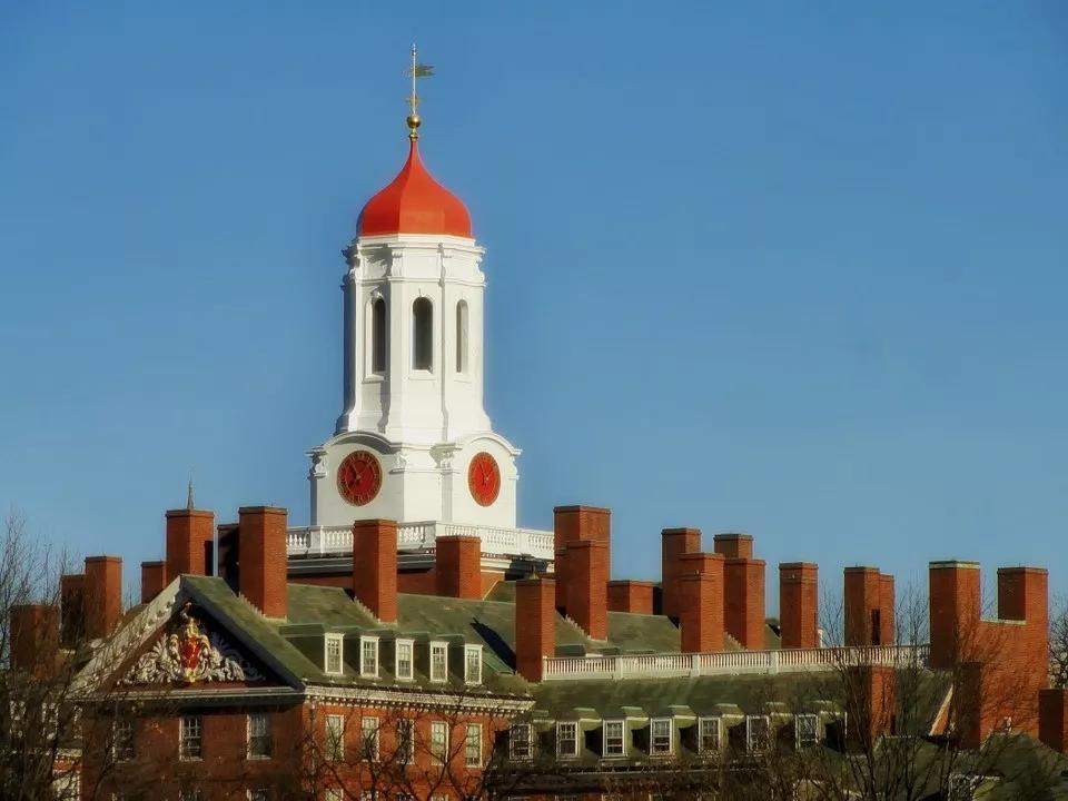 哈佛校长支持留学生,要求加快签证进度!