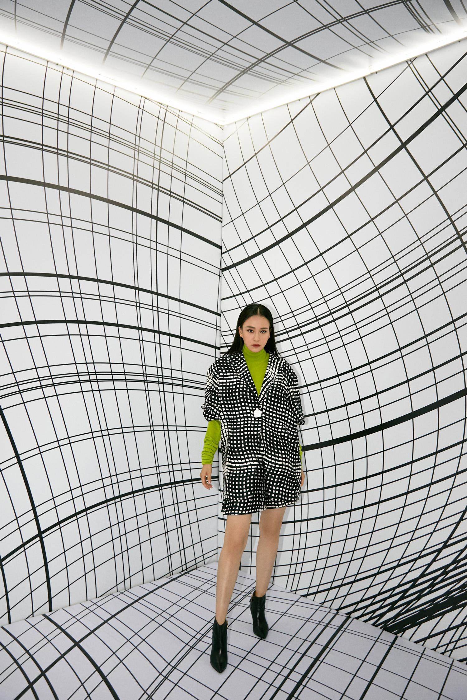 造车美学和时装艺术的结合,凯迪拉克CT5亮相JUDYHUA 2020春夏发布会