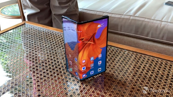 华为Mate X 5G折叠屏手机最快10月底开卖_上市