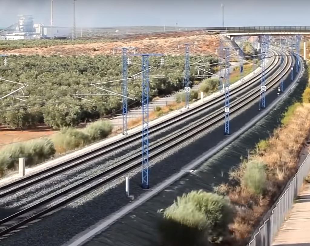 中国与尼泊尔达成20项合作!将共同建造新铁路,印度计划被打断?