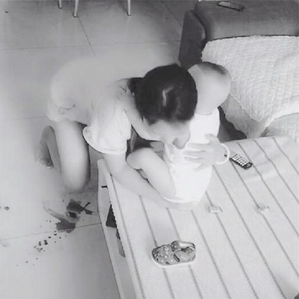 宝妈产后性格大变、冷淡,丈夫装上监控拍到这画面,瞬间泪崩了