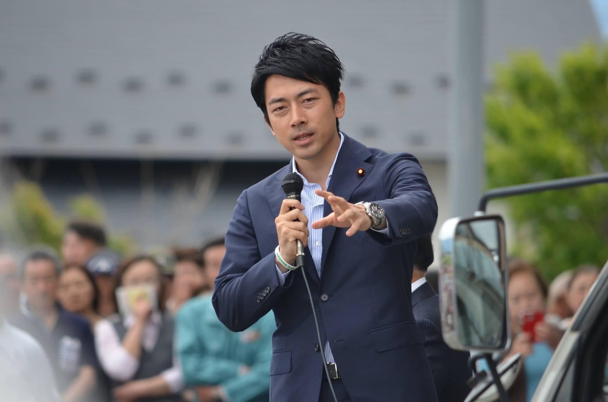 """日本政坛的""""新人类政治家"""""""