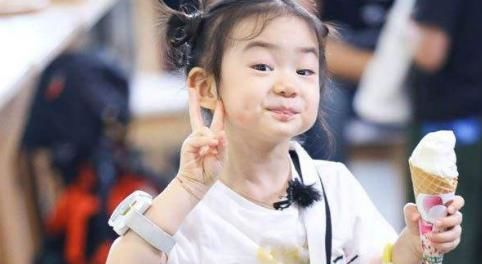 戚薇李承铉甜蜜对唱,高调秀恩爱真的太甜了,不一样的幸福一家