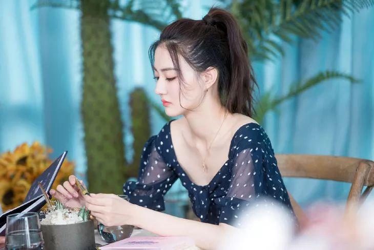 美人计 | 徐璐的美白小妙招看起来很好学的样子