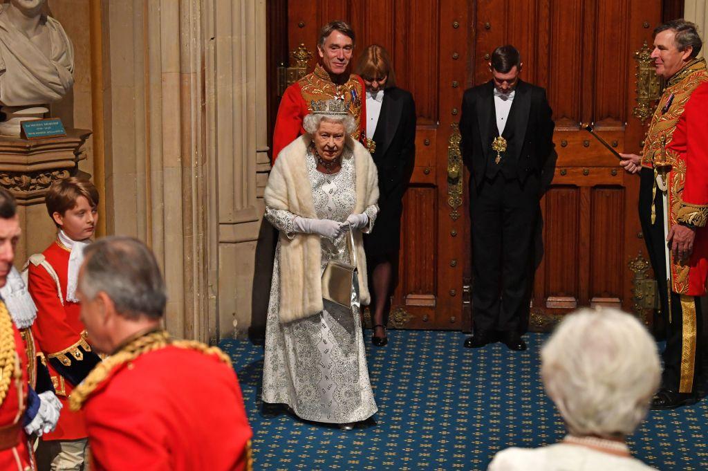 英国女王:10月31日前脱欧是政府首要任务