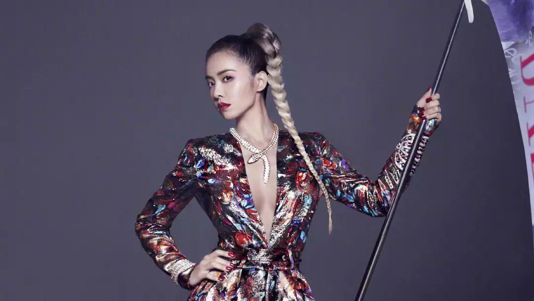 刘玉玲身高只有157cm?女人怎么做才能有她一样的两米气场?