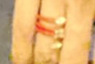 原创             李嘉欣秀恩爱,手上戒指镶三颗钻石太壕了,许晋亨消瘦寒背很显老
