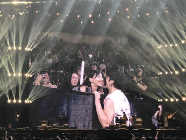 王力宏主業歌手副業成證婚人?演唱會三對粉絲求婚獲王力宏證婚