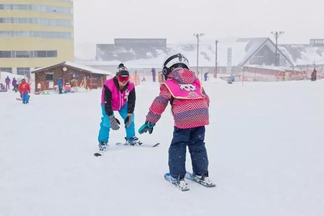 原创             性价比之王安比高原滑雪季即将开启,大人孩子都有专属套餐哦