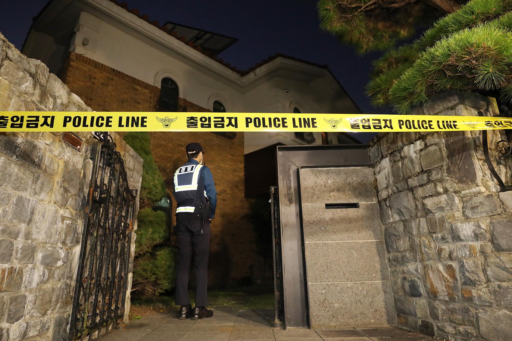 韩国艺人雪莉确认在家中死亡2005年至今韩国演艺界人士自杀超30名