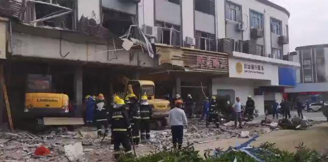 无锡小吃店爆炸已致9死10伤,华山医院四位专家已赶赴当地救治伤员