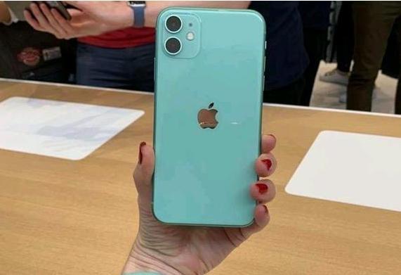 國産機迎最強挑戰!iPhone11全面破發,庫克樂開花,電商平台給力