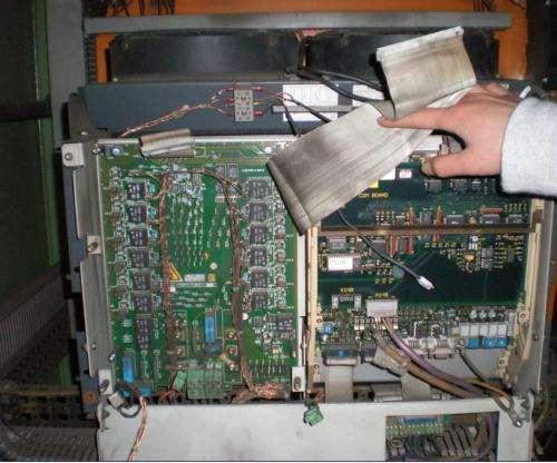 更换整流模块,修复驱动电路.