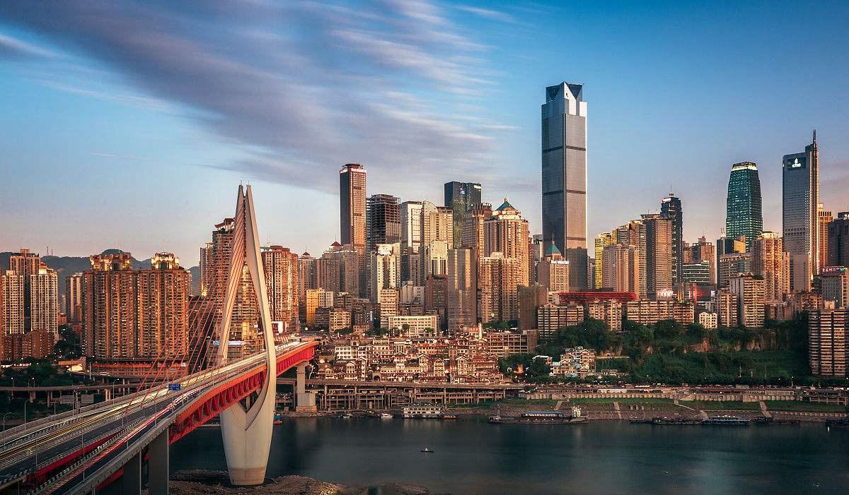 我国西部最难看的一座建筑,外观造型酷似方便面桶,就在重庆