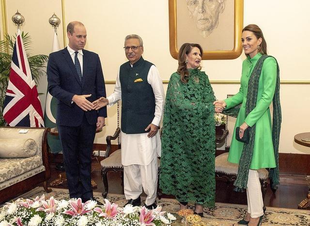 凯特王妃旋风式换装!白配绿真惹眼,70岁巴基斯坦第一夫人更惊艳