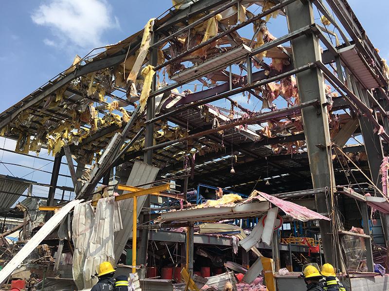 广西玉林一化工厂发生爆炸4死7伤|组图