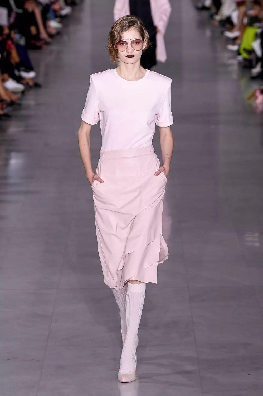 四大时装周2020春夏女装趋势 铅笔裙