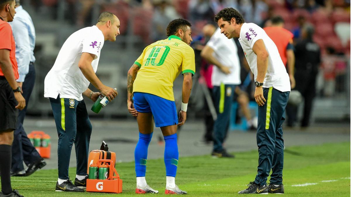 巴黎官方宣布内马尔左腿肌肉损伤 至少将缺阵4周
