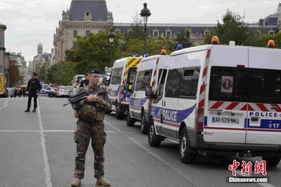 巴黎警局突击案5名嫌疑人被捕 警务人员极点化引忧