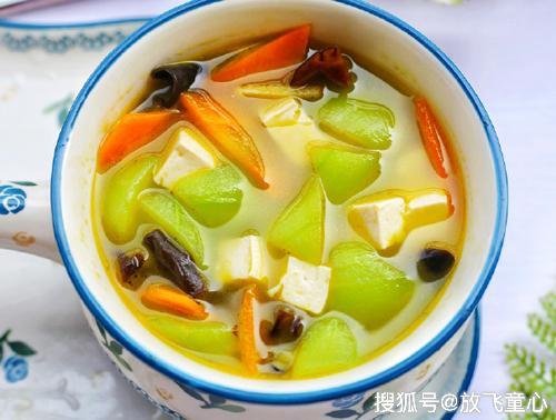营养美味的丝瓜豆腐汤 鲜美爽嫩 开胃下饭 好喝又补钙 宝宝最爱喝