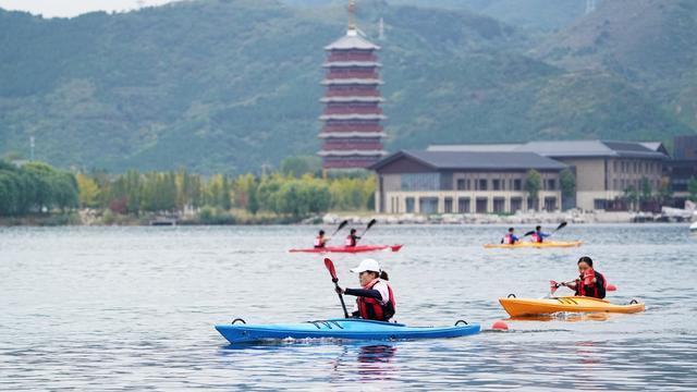 第四届全国大学生皮划艇锦标赛怀柔雁栖湖开赛