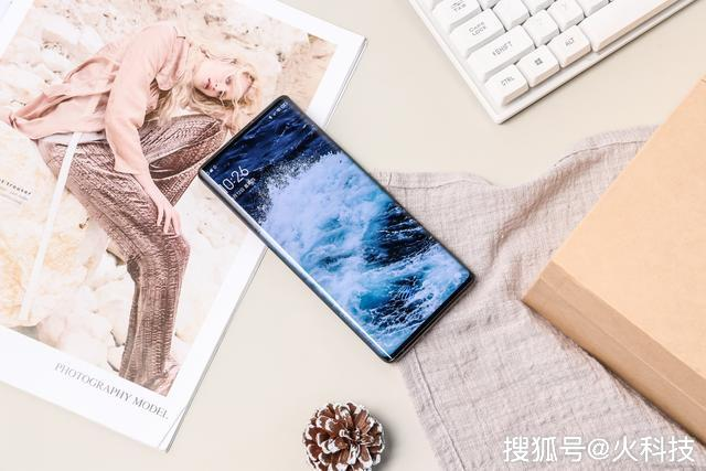 原创             如果给你6000块钱买一台全面屏手机,你会选择这3款5G手机吗?