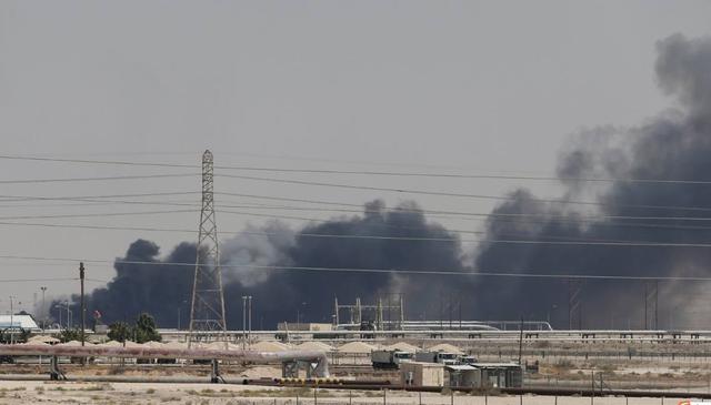 沙特油田被毁,离不开美国帮的倒忙忙,GPS导航是祸首之一