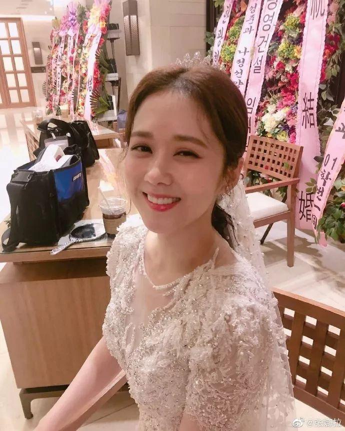 """张娜拉被赞""""韩国赵丽颖"""",38岁满脸胶原蛋白,身穿白纱像仙女"""