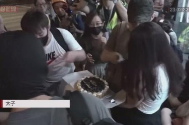 港媒:香港暴徒过完生日就闹内讧,给他们提供装备的五金店都说要停工