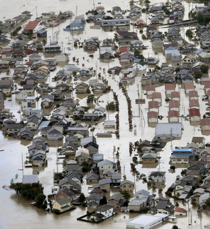 """台风""""海贝思""""已造成日本72人死亡,灾后恢复工作尚需时日"""
