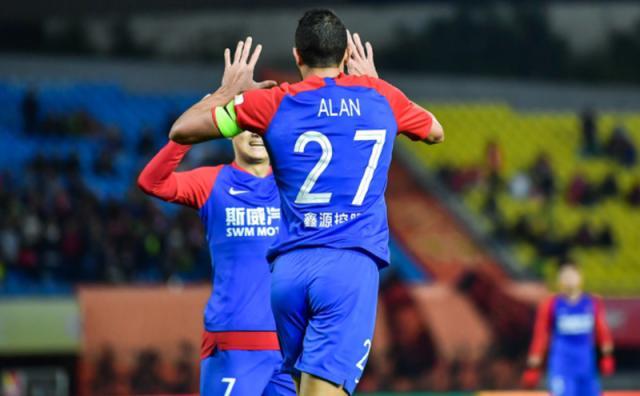 原创             12轮不胜惨垫底!重庆队长浇灭保级希望 北京人和已回天乏术