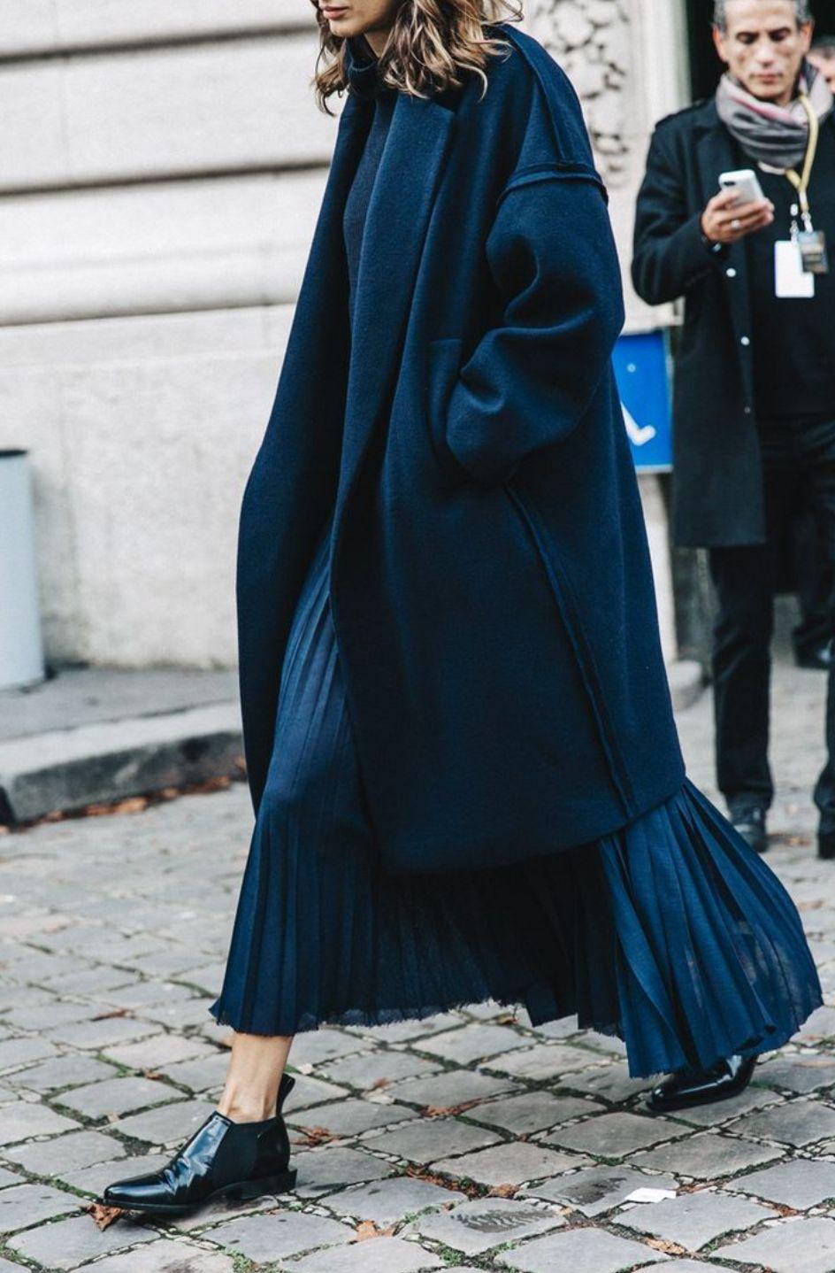 针织衫、衬衫+百褶裙=2019秋天最显气质的高级!搭配!