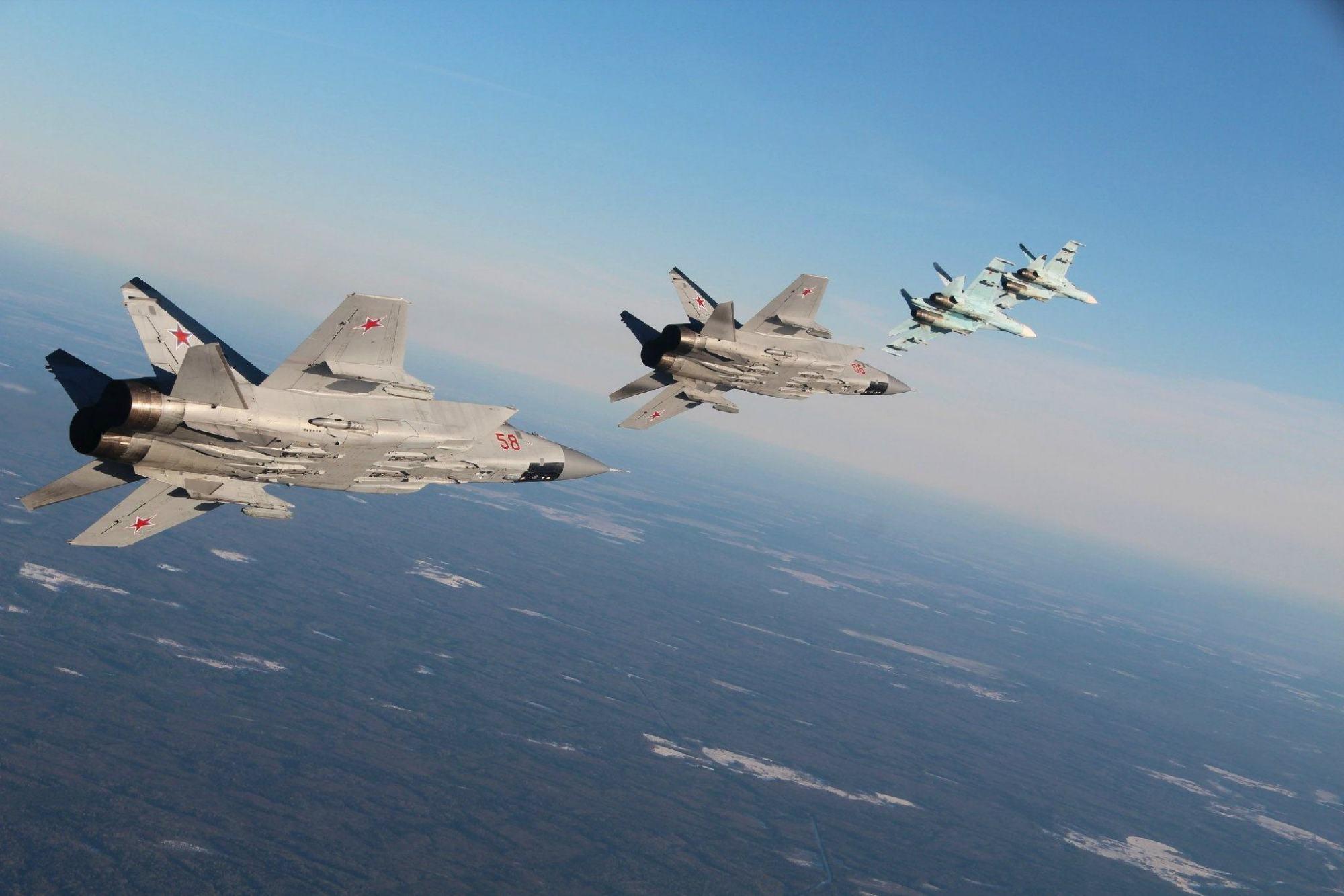 105架戰機出動,213套導彈發射器就緒,明確就是警告美軍_演習