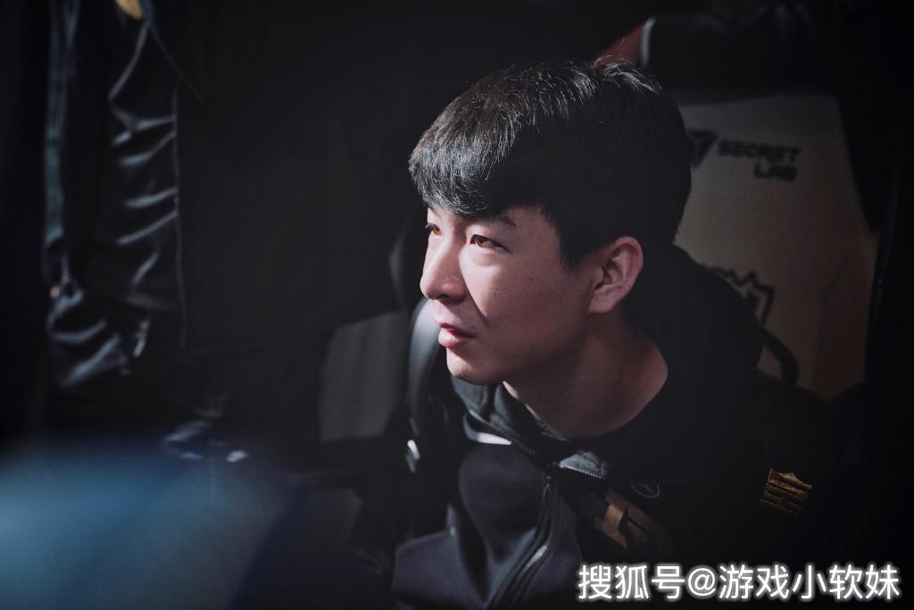 """S9小组赛第四日综述:狼行外战猛如虎,李哥不留情""""清理门户"""""""