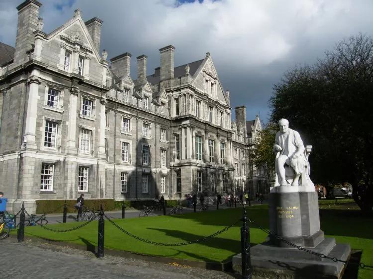 前景好费用低,快来pick爱尔兰留学!