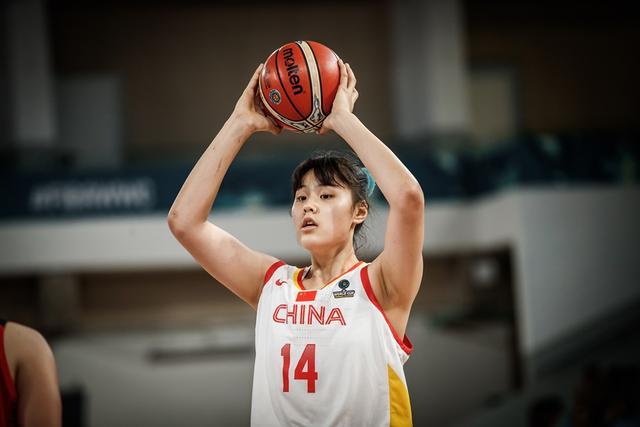 中国女篮双塔驰援,军运会八一女篮志在夺牌,李梦发挥至关重要_李月汝