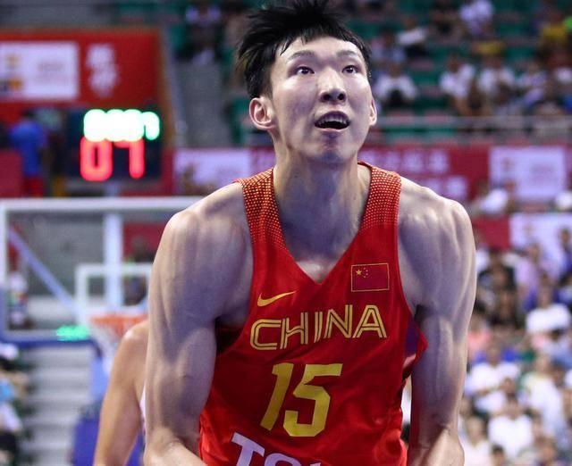 中国篮坛6大肌肉猛男:阿联的麒麟臂爆青筋,一人体脂率低于C罗_刘晓宇