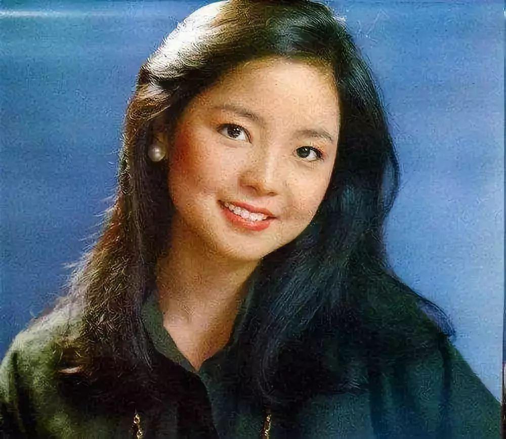 邓丽君逝世24年后再上热搜 甜美人设变成段子手 娱乐 热图20