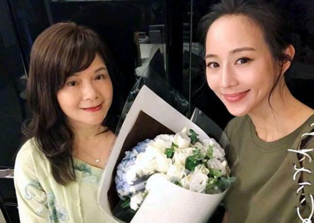 邱泽张钧甯同台宣传网剧《唐探》!恋情纠葛难道只是炒作