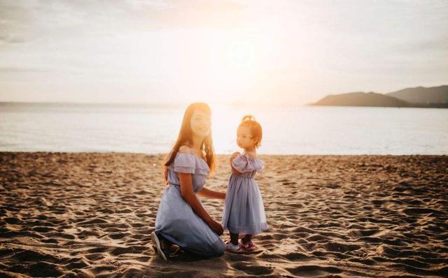 若娃3岁前有这4种表现,表明长大后很爱妈妈,网友:女神地位稳了