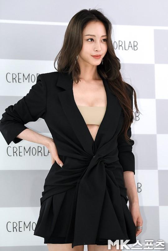 40岁的韩艺瑟妩媚妖娆状态好似少女,想拥有她的40岁和许晴的50岁
