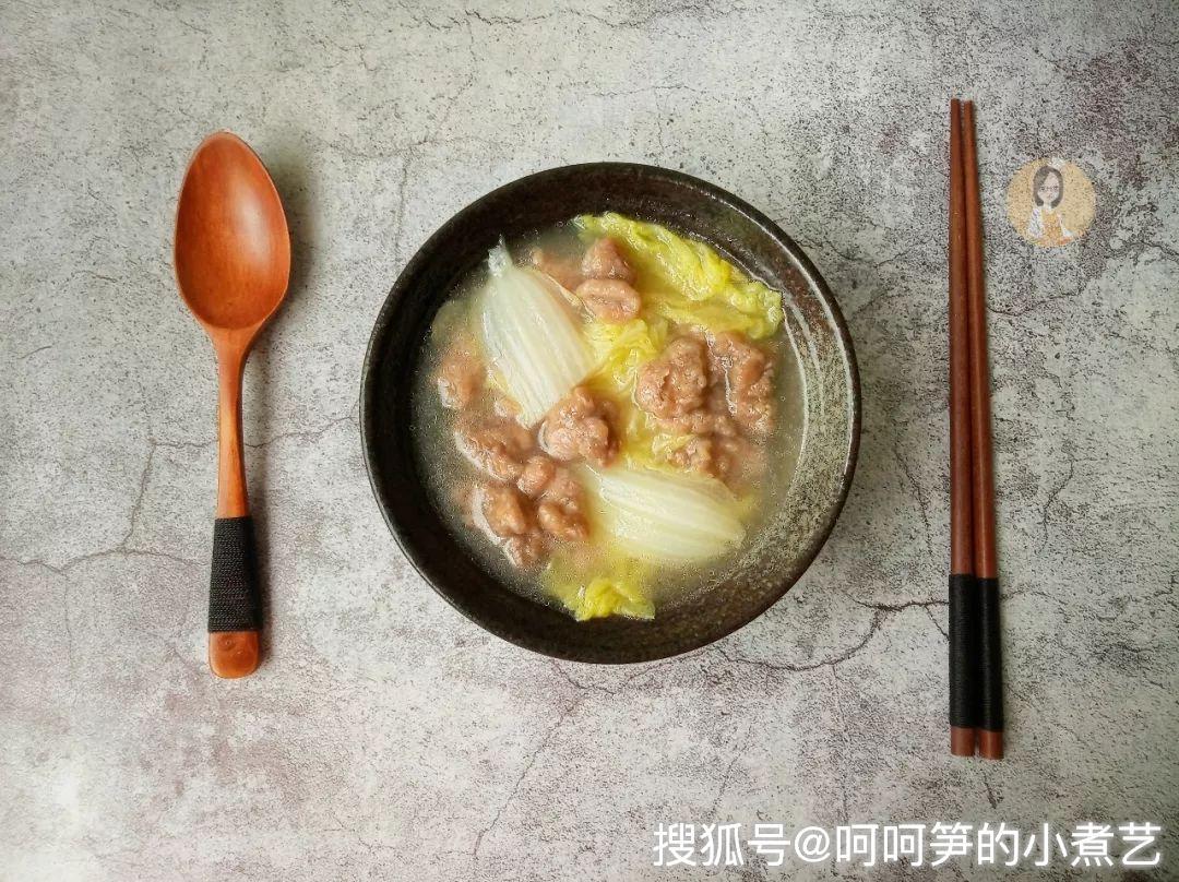 又到深秋了,这道暖身的白菜汤,简单又好喝
