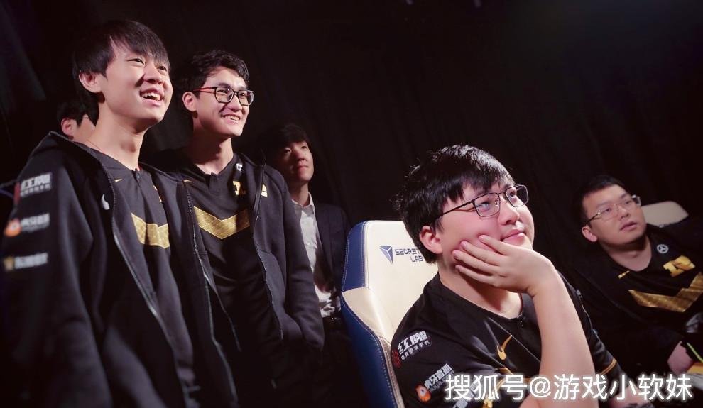 LOL:网友讨论LPL战队短板,RNG状态无敌,iG全靠韩国选手顶着?