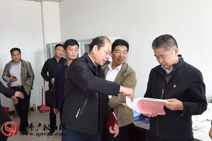 市委宣传部副部长赖小青一行到我县调研