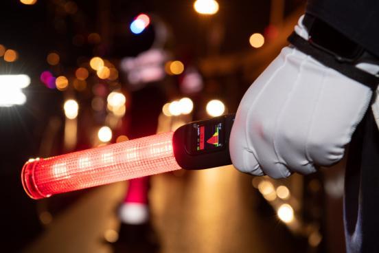北京交警启用新式酒精检测仪,内置GPS、1秒测酒精_姚某某