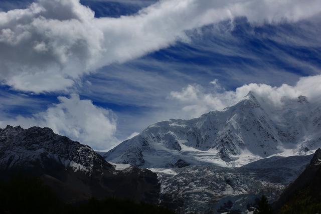 这个触手可及的绝美冰川已经开始慢慢融化了,再不去就晚了