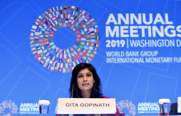 外媒:IMF连续第四次下调全球增长预期