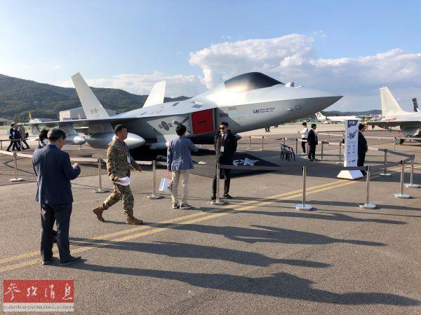 韩国展示国产下一代战机模型号称机动性仅次于F-35