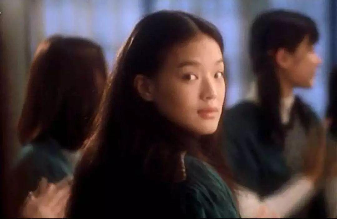 """被迫辍学养家,成功转型实力演员,舒淇""""丑小鸭""""变成""""白天鹅"""""""